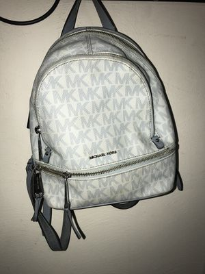 Michael kors tiny backpack for Sale in Verona, PA