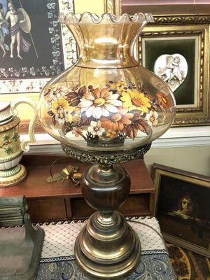 Vintage Hurricane Floral Globe Table Lamp for Sale in Pelham, AL