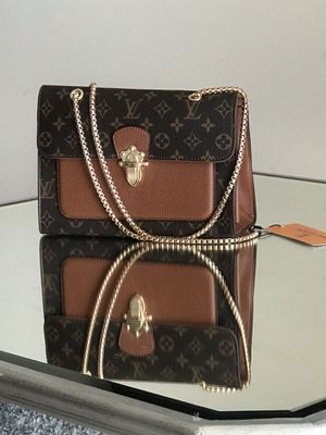Leather Louis Vuitton purse for Sale in Chillum, MD