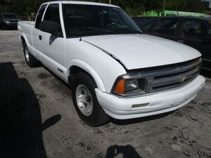Solid chevy s10 runs great cheap for Sale in Tampa, FL