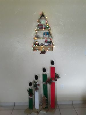 Christmas Tree Shelf for Sale in Miami, FL