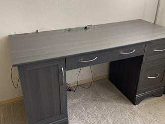 Office Table for Sale in Redmond,  WA