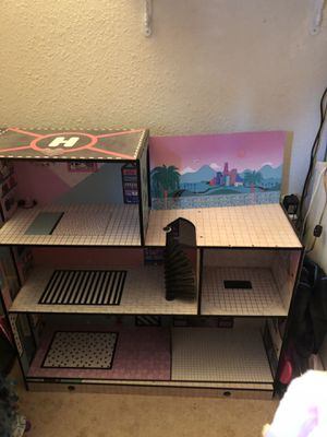 LOL doll house and dolls/accessories for Sale in Rio Vista, CA