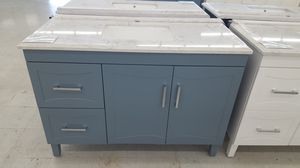"""48"""" Vanity ( With Top , Back Splash , And Mirror ) for Sale in Orlando, FL"""
