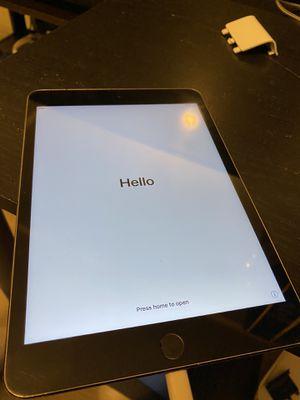 iPad Mini 4 64gb Wifi for Sale in Los Angeles, CA