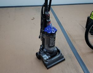 Dyson DC33 vacuum for Sale in Troy, MI
