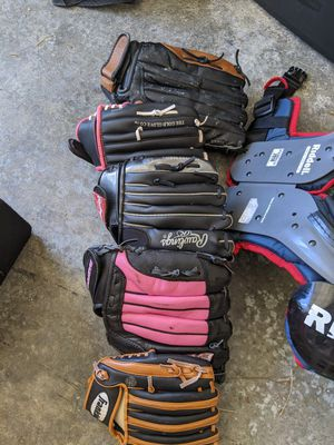 Softball/baseball gloves for Sale in Bonney Lake, WA