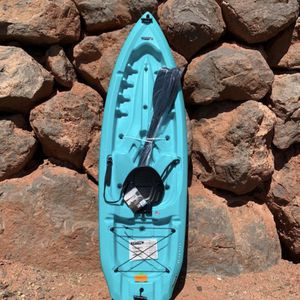Daylight Kayak 8.5 Ft Weight Capacity 225lbs for Sale in Anaheim, CA