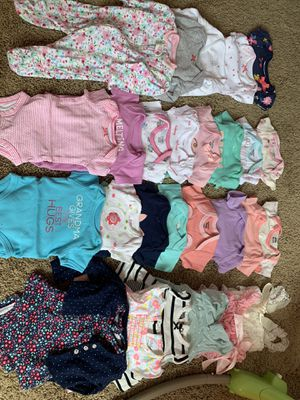 Baby girl clothes ranging from newborn to 6-9 months for Sale in Hanover Park, IL