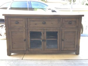 Wood Console Table! for Sale in Laguna Niguel, CA