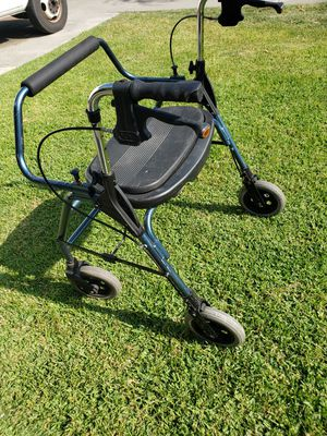 WALKER 20 inches wide for Sale in Bell Gardens, CA