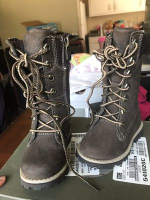 Gently used girls 4c timberland boots for Sale in Cincinnati, OH