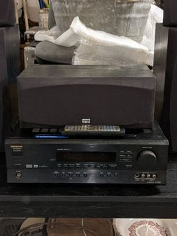 Onkyo Av Receiver Ht-r500 With Surround Sound Speakers for Sale in Atwater,  CA