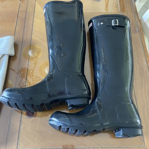 Hunter Original Tall Black Rain Boots With Socks for Sale in Warrington, PA