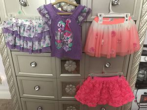 2T girl skirts for Sale in Seminole, FL