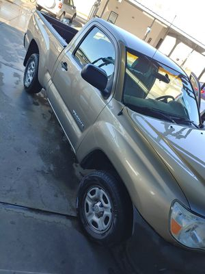 2005 toyota tacoma 4 cylinder for Sale in Bakersfield, CA
