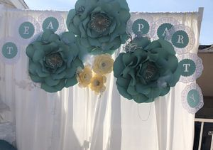Paper flowers for backdrop for Sale in Pico Rivera, CA