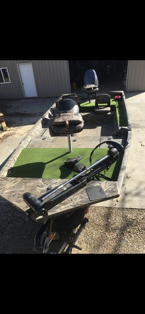 18 foot G3 with a 90 horse Yamaha for Sale in Evansville, IN