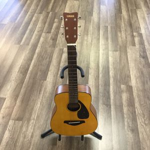 Yamaha FG -Junior Acoustic Model JR 1 ( 33 Inches ) Young Rocker for Sale in Port St. Lucie, FL