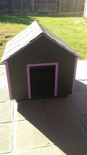 Winter ready 3x3 large dog house . for Sale in Modesto, CA