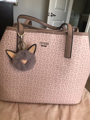 GUESS shoulder tote for Sale in Atascadero, CA