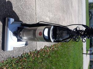 Hoover turbo cyclonic Vacuum for Sale in Deltona, FL