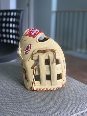 Rawlings PRO PREFERRED KRIS BRYANT 12.25 baseball glove for Sale in Hoffman Estates, IL