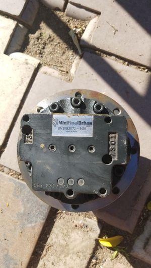 hidraulic drive motor for mini excavator fits kubota , bobcat , Jonhdeeren yanmar for Sale in Los Angeles, CA