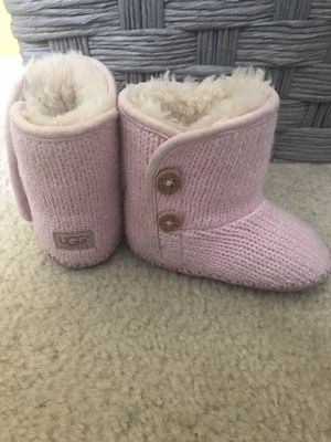 Baby uggs pink size 2/3 for Sale in Gaithersburg, MD