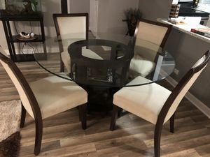 Round Dining Table and 4 Dining Chairs for Sale in Chicago, IL