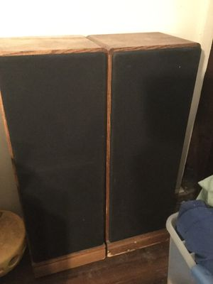 Mitsubishi speakers/ pick up only / not negotiable for Sale in Philadelphia, PA