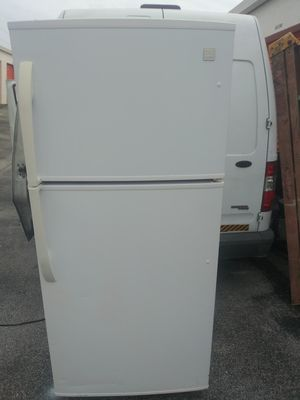 Daewoo White Refrigerator Great Will Deliver 30x65 for Sale in Port St. Lucie, FL