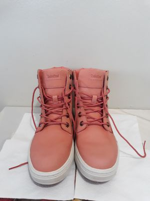 Pink women's Timberland hiking boots for Sale in Downey, CA