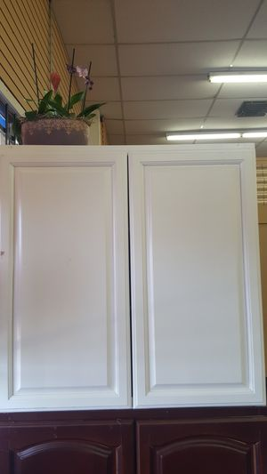 Wall kitchen cabinet 36x36 for Sale in Mesa, AZ