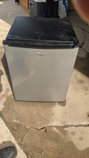 Whirlpool Mini fridge for Sale in Butte, MT