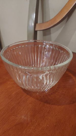 Pyrex small mixing bowl for Sale in Gaithersburg, MD