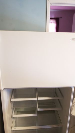 Whirlpool Refrigerator/Freezer for Sale in San Diego, CA