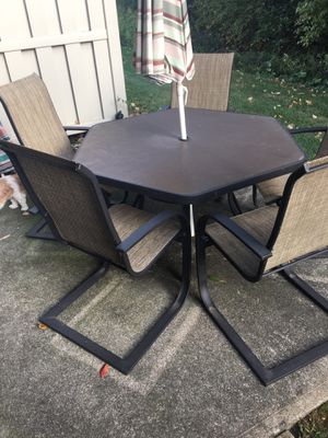 Out door patio furniture for Sale in Middleburg Heights, OH