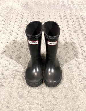 Girls Toddler Hunter boots paid $56 Size 9 good condition has very minor wear at bottom sole as pictured no major problems! for Sale in Washington, DC