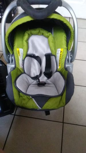 Baby trend un porta bebe for Sale in Denver, CO