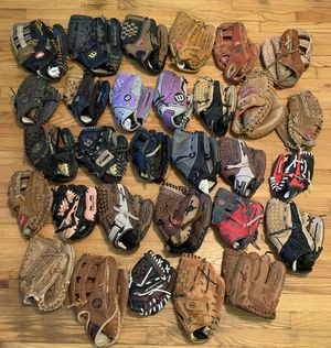Lot Of 30 Baseball Softball Gloves Mitts Wilson Nike Rawlings Mizuno Franklin for Sale in Pelham, NH
