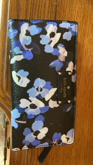 Kate Spade Wallet for Sale in West Bend, WI