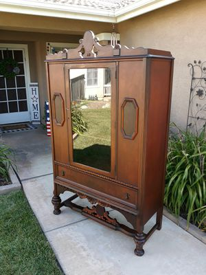 """BEAUTIFUL VINTAGE ANTIQUE CURIO / CHINA / COLLECTORS DISPLAY CABINET W/ DRAWER (CIRCA 30'S/40'S)42""""W×18""""D×71""""H for Sale in Corona, CA"""