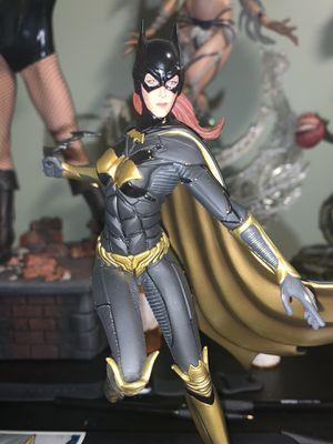Dc comics batgirl statue for Sale in Los Angeles, CA