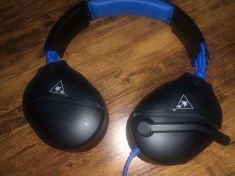 Turtle beach headphones with mic for Sale in Waldorf,  MD