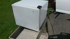 Mini frig 1.5 cu inch garage or dorm use for Sale in Saint Paul, MN