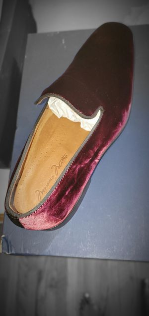 Burgundy Italian Suede Loafer Size 8.5 and 9 for Sale in San Fernando, CA