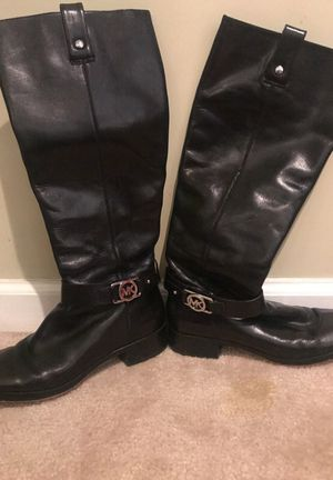 Michael kors boots size 7 for Sale in Nashville, TN