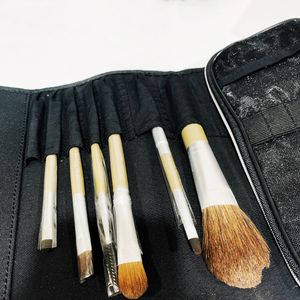 Artistry makeup brush set for Sale in Industry, CA