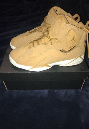 Jordan Retro 13 size 6y boys wheat color for Sale in Lakewood, CO